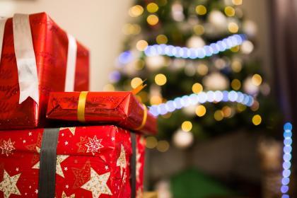 Christmas Giving.Four Ways To Christmas Giving Educa
